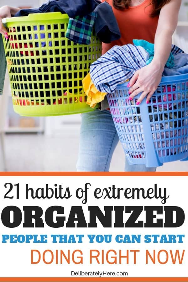 21 habits of extremely organized people. Everyday organization habits to help you create an organized home. Organize small spaces with these handy organization ideas for the home. Organization for beginners- how to create a simple home. Get rid of clutter with these clutter organization tips. Cleaning hacks to help you find organization hacks. Use these organization ideas for the home today!