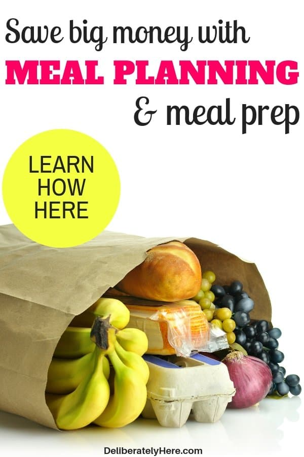 Learn how to save big money with meal planning and prep. Meal planning and meal prep methods to save money. Meal planning for beginners. How to meal plan on a budget. Meal planning ideas for families to save money on groceries every month.