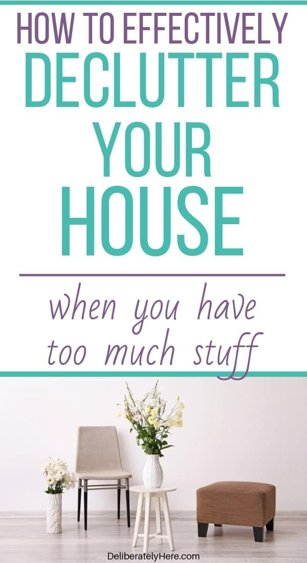 7 ways how to declutter your home when you're feeling overwhelmed. How to declutter your life. Easy declutter ideas. Decluttering tips for a clutter free home. Easy decluttering tips to help you get organized. Create a decluttered and organized home. Minimalism decluttering tips for people who like to hold on to things. Decluttering tips for hoarders.