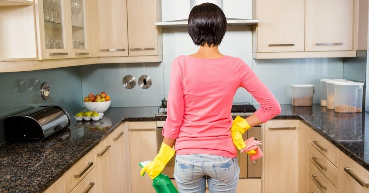 8 Ways How to Keep Your House Clean When You're Busy