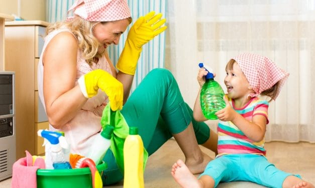 8 House Cleaning Tips for Moms (How Even YOU Can Keep a Clean House!)