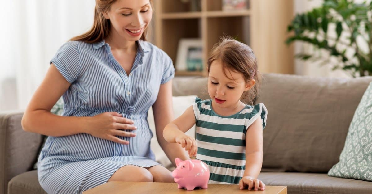 How to Afford to be a Stay at Home Mom (on a Low Income)