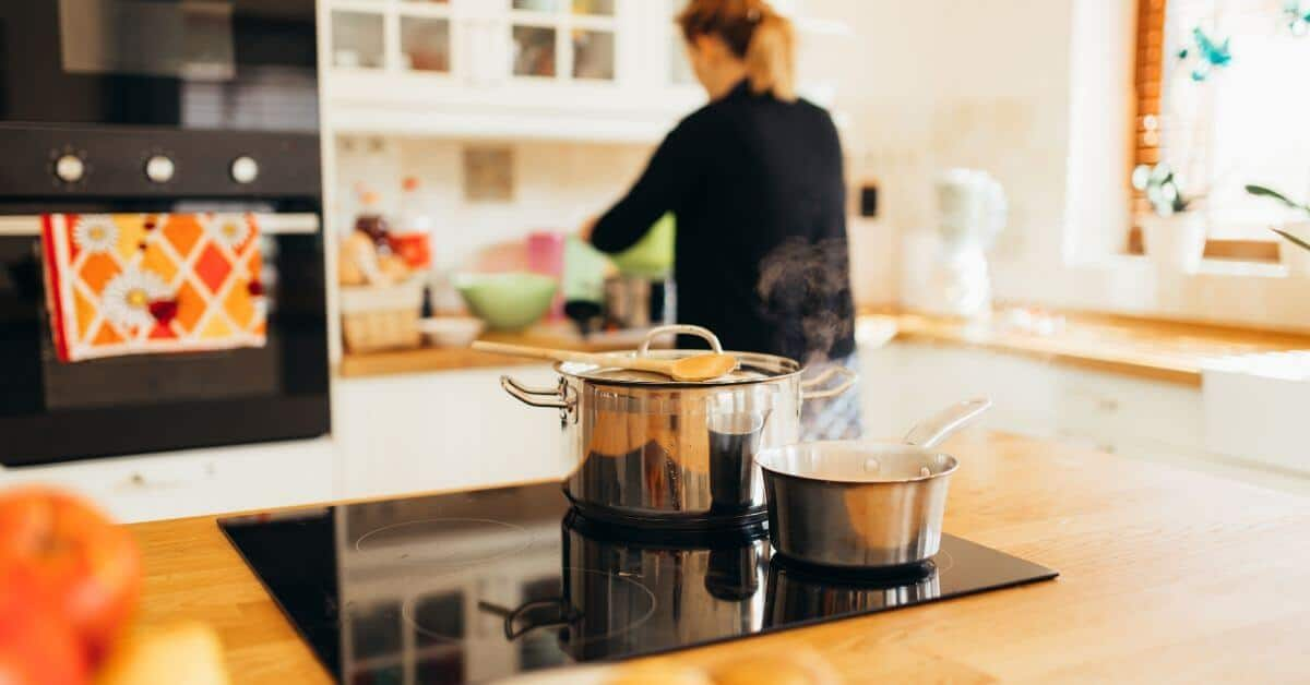Should You be a Stay at Home Wife?